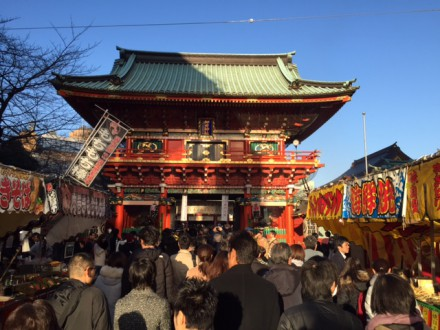 神田神社と書かれた中程の門