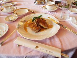 フルーツパーク富士屋ホテルのチキン・パンのコース