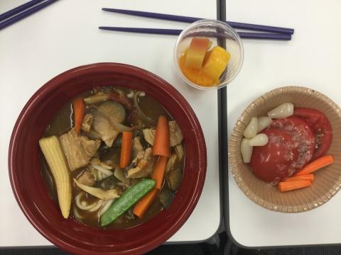 夏野菜カレーうどんで昼食会